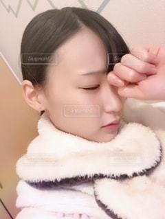 頭を抱えてる人の写真・画像素材[987466]