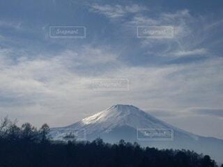春の富士山の写真・画像素材[4733954]
