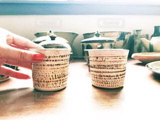テーブルの上のコーヒー カップ - No.767444