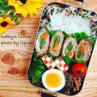 家庭菜園のいんげんを使った肉巻き弁当の写真・画像素材[4738944]