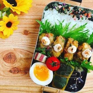 彩り野菜と自家製すり身揚げ弁当の写真・画像素材[4751047]