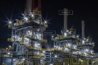 三連棟の工場夜景の写真・画像素材[4806410]