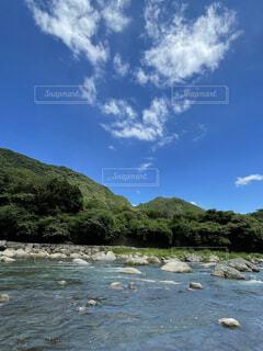 川と青空の写真・画像素材[4757773]