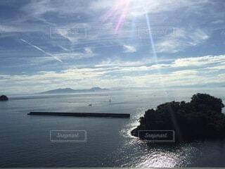 海辺青空太陽が綺麗な背景パターンの写真・画像素材[4770567]