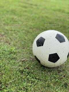 サッカーボールの写真・画像素材[4754171]