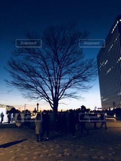 通りを歩く人々 のグループの写真・画像素材[944207]