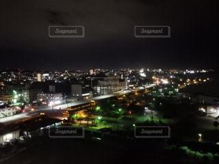 夜の街の眺めの写真・画像素材[2722916]