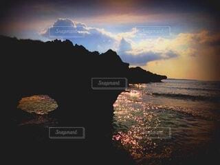 夕暮れ 海の写真・画像素材[4766568]