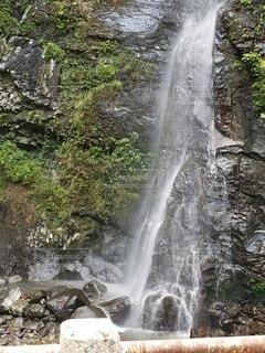 癒しの滝の写真・画像素材[4766614]