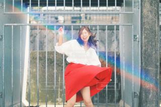 赤いスカートを履いている女性 - No.736926