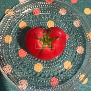 ハート型のトマトの写真・画像素材[4765718]