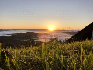 雲海と朝日の写真・画像素材[4764657]