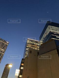 都会のオフィス街風景の写真・画像素材[4765749]