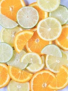 柑橘類のスライスの写真・画像素材[4768036]
