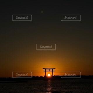 地球に沈む夕日の写真・画像素材[4769289]