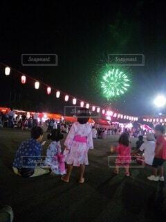 夏祭り 花火の写真・画像素材[4768602]