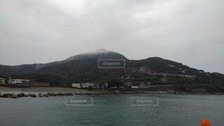 海沿いのログハウスの写真・画像素材[4802639]