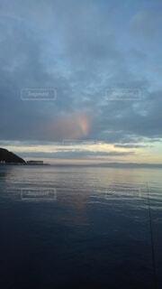 朝の虹の写真・画像素材[4835275]