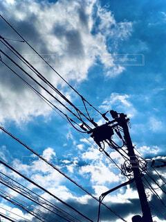 電柱と空の写真・画像素材[4769558]
