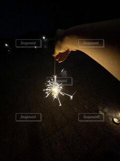 線香花火の写真・画像素材[4773278]