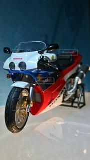 バイク(HONDA VFR750R)のプラモデルの写真・画像素材[4784527]