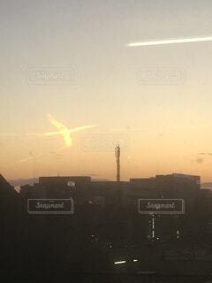 夕焼けの火の鳥の写真・画像素材[4798653]