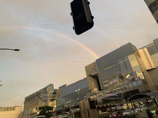 夕方の虹の写真・画像素材[4805413]
