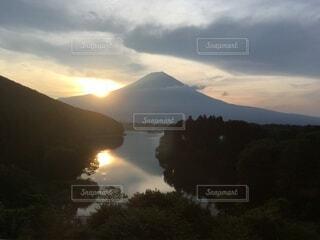 富士山の日の出の写真・画像素材[4822105]