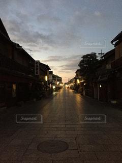 祇園の早朝の写真・画像素材[1007640]