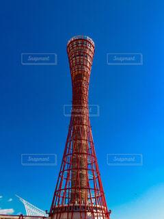 神戸ポートタワーと青空の写真・画像素材[1007715]