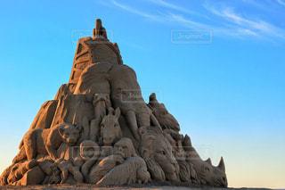 岩の上の人々 のグループの写真・画像素材[1374266]