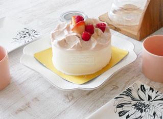 パティスリーリョウコの予約しないと買えないケーキの写真・画像素材[671823]