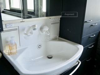 洗面台の写真・画像素材[1168698]