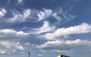 青空の雲の写真・画像素材[4843107]