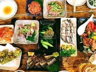 さあ、沢山食べよう!の写真・画像素材[4912686]