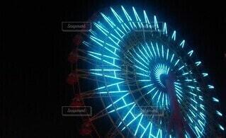 夜のモザイク大観覧車の写真・画像素材[4873858]