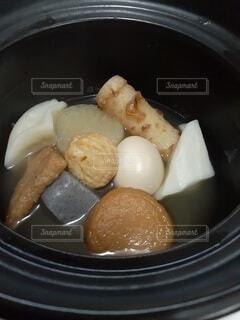 土鍋でおでんの写真・画像素材[4843464]