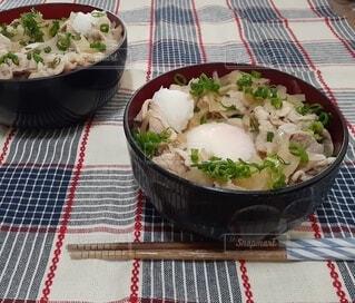 温玉のせ豚丼の写真・画像素材[4872927]