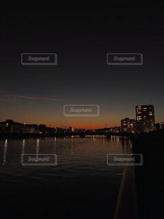 川と夕日の写真・画像素材[4873650]