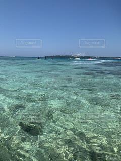 綺麗な海と空の写真・画像素材[4873657]