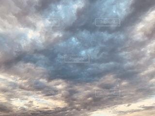 まだらな雲の写真・画像素材[4857688]