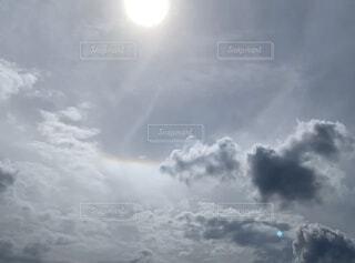 雲と太陽の写真・画像素材[4876167]