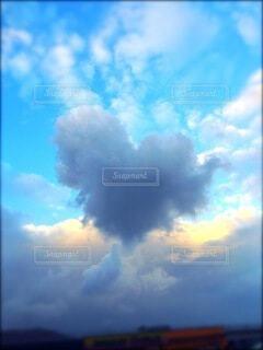 恋に焦がれた雲の写真・画像素材[4857334]