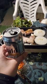 バーベキューてビールと焼き肉の写真・画像素材[4850881]