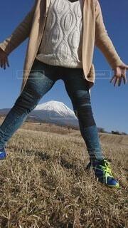 富士山と空と人の写真・画像素材[4851028]
