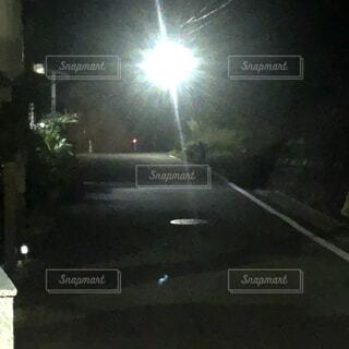 夜の灯りの写真・画像素材[4884419]