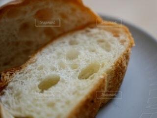 朝食のバゲットの写真・画像素材[4874355]