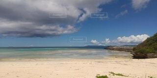 誰もいない浜の写真・画像素材[4860552]