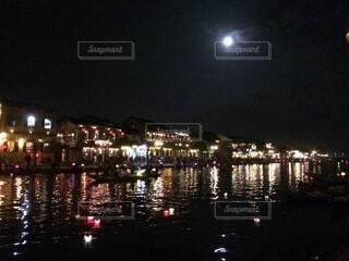 ベトナムの満月の写真・画像素材[4874542]