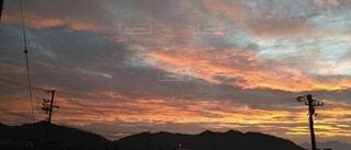 朝焼け 秋の空の写真・画像素材[4928571]